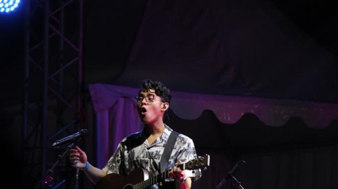 Chord Gitar Lagu Cigarettes Of Ours – Ardhito Pramono, Kunci Dasar Mudah Dimainkan