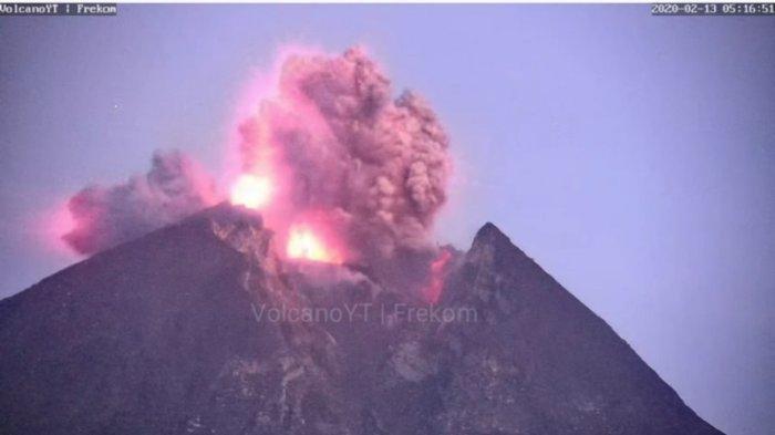 Viral Detik-detik Erupsi Gunung Merapi Pagi Ini, Kolom Abu Capai 2.000 Meter